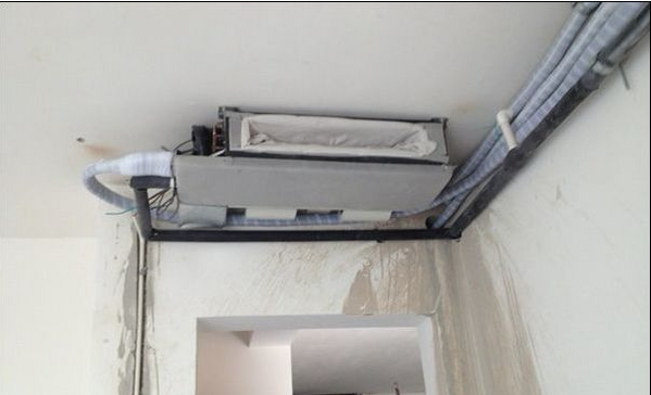 1)格力风管机占有超薄的特点,跟普通的柜机挂机不同之处在于它的